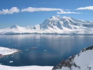 Kubah Ais di Antartik Cepat Cair