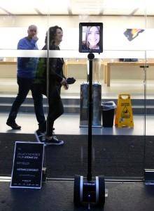 Robot Beratur Membeli iPhone 6S di Gedung Apple
