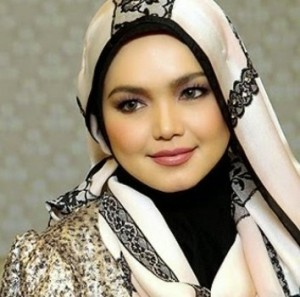 Datuk Siti Nurhaliza Terima Anugerah Outstanding Singer Of The Year