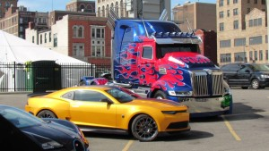 Paramount Pictures Lelong Pelakon Filem Transformers