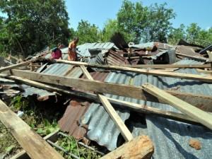Ribut Ranapkan Sebuah Rumah dan 37 Rosak di Kuala Nerang