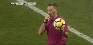 Pengadil Mark Clattenburg Henti Perlawanan Bola Sepak Bagi Hormati Azan