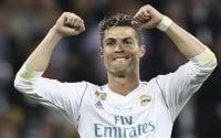 Cristiano Ronaldo berpindah ke kelab Juventus dari Real Madrid